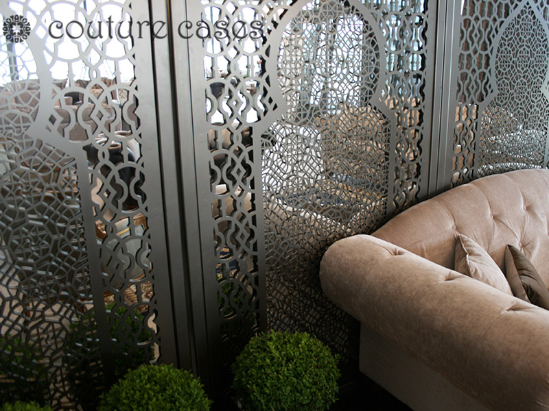 arabic-minaret--freestanding-laser-cut-metal-mirror-screen-corner-lounge-area