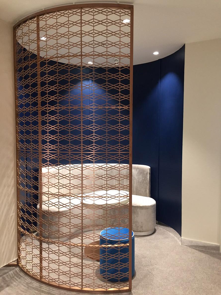 Fraser Hart Curved room partition