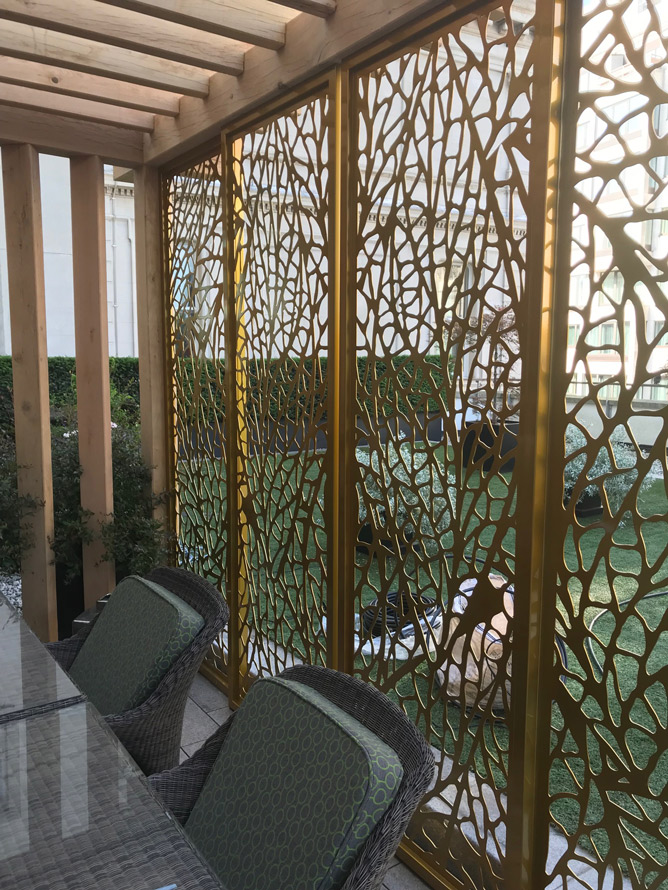 leaf pattern pergola for four seasons hotel